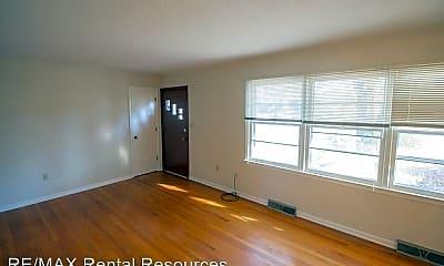 Living Room, 1207 White Oak Ln, 1