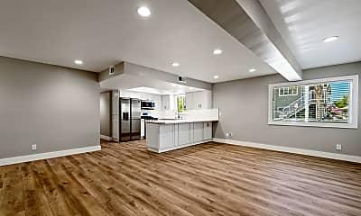 Living Room, 521 W Bay Ave, 1