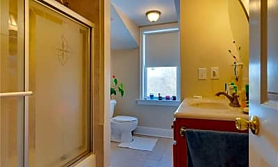 Bathroom, 921 Worthington Ridge, 2