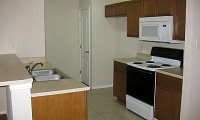Kitchen, 213 Robin St, 2