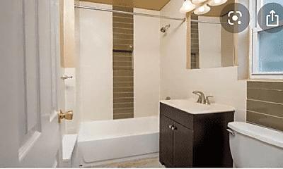 Bathroom, 105 Franklin St, 1