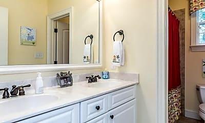 Bathroom, 637 Walters Dr, 2