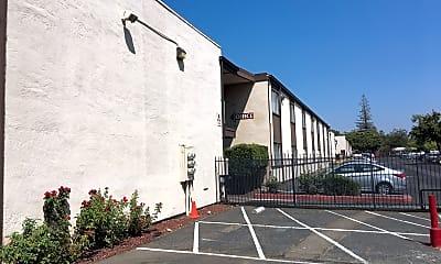 Warren Fulton Apartments, 0
