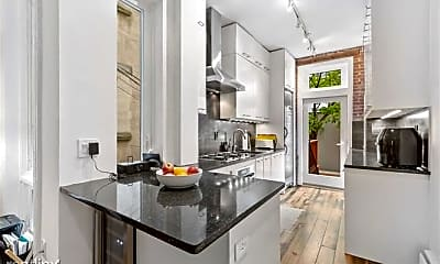 Kitchen, 706 Willow Ave, 1