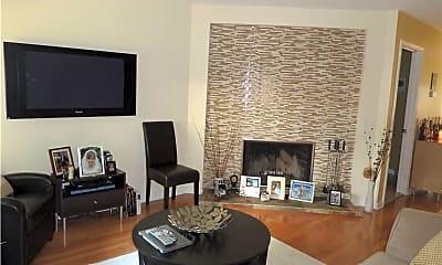 Living Room, 27 Crows Nest Ln 10N, 1