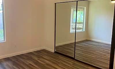 Bedroom, 23732 Hillhurst #66, 2