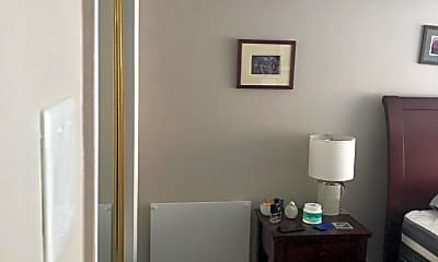 Bathroom, 2405 I St NW 2C, 2