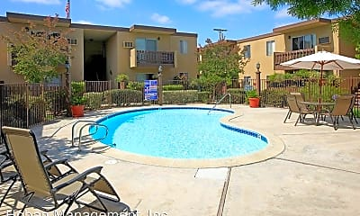 Pool, 523 Grape St, 1