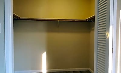 Bathroom, 2825 Malabar Ave, 2
