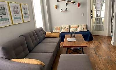 Living Room, 230 4th St, 1