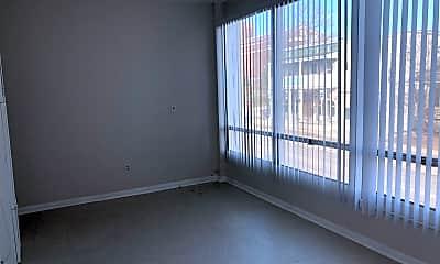 Patio / Deck, 527 W Cross St, 0