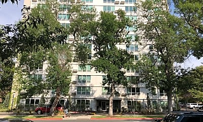 Dma Plaza, 0