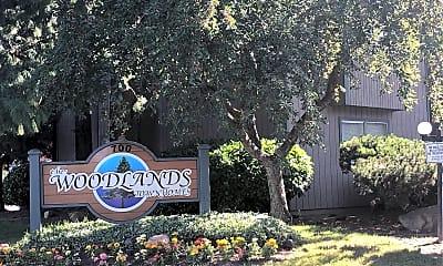 Woodland Townhouses, 1