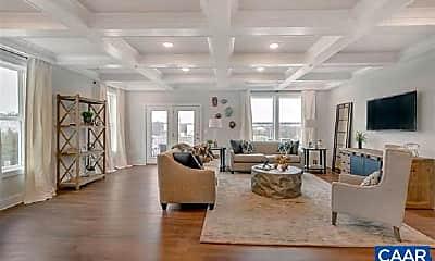 Living Room, 909 Salamander St B, 1