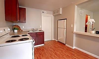 Kitchen, 417 Leonine S St, 1
