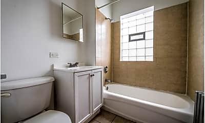 Bathroom, 6100 S Artesian Ave, 2