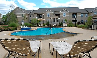 Pool, 1001 Redwood Ave, 1