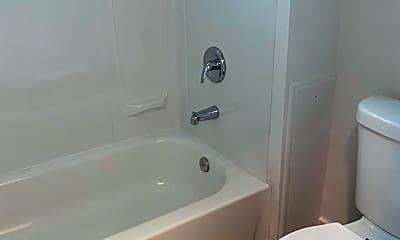 Bathroom, 809 Ross Ave, 2