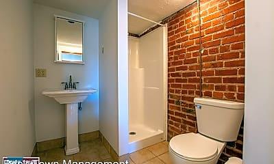 Bathroom, 101 S 38th Ave, 2