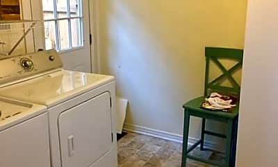 Bathroom, 5250 Greenwood Ln, 1