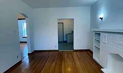 Living Room, 5400 W Madison St, 1
