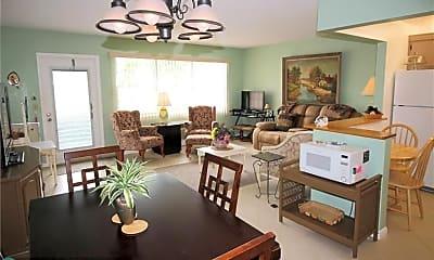 Living Room, 27 Newport Ct B 27, 0