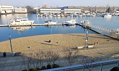 1515 Dock St, 1