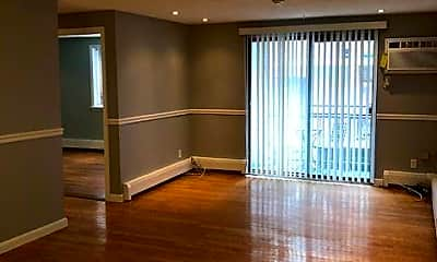 Living Room, 131 Pierce St, 1
