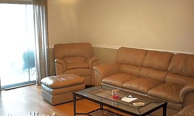 Living Room, 1615 N Milwaukee Ave, 1