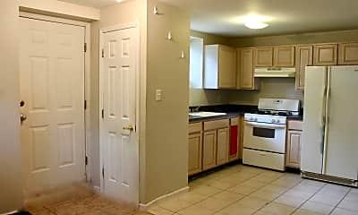 Kitchen, 63 Parkwood Ave, 1