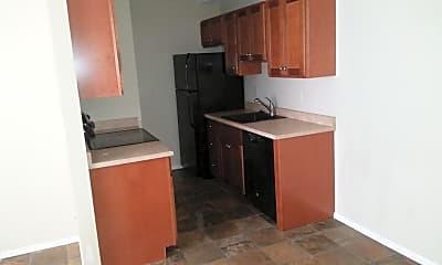 Building, 825 Oakcrest St, 1