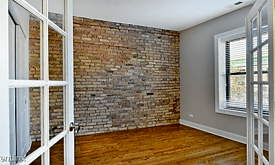 Living Room, 425 W Belmont Ave, 1