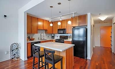 Kitchen, 929 Portland Ave 703, 1