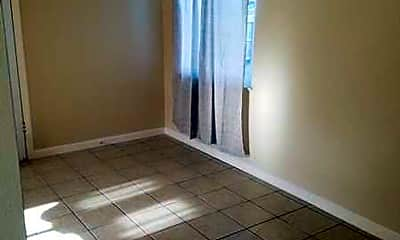 Living Room, 2405 Hemminger Way, 1