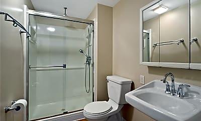 Bathroom, 4 St Michael Ct, 2
