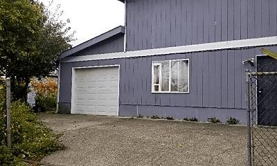 Building, 3125 S Dakota St, 2