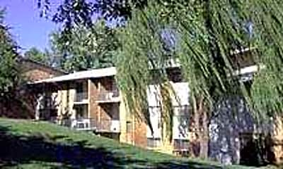 Brookfield  Woods, 0