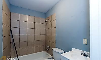 Bathroom, 43 Hazel St A, 2