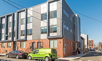 Building, 411 W Berks St, 2