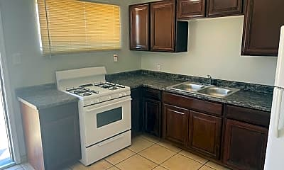 Kitchen, 2706 W Missouri Ave 15, 1