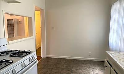 Living Room, 3839 Stevely Ave, 2