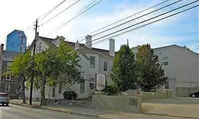 Building, 207 N Upper St H, 0