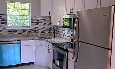 Kitchen, 28 Old Pepperidge Ln, 1