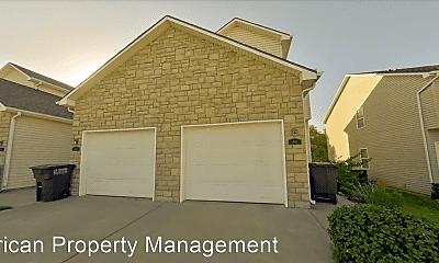 Building, 816 Oakbrook Pl, 1