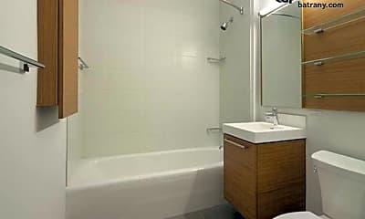 Bathroom, 43-10 Crescent St, 0