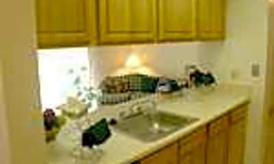 Auburn Hills Apartments, 2