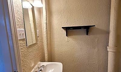 Bathroom, 1007 N J St, 2