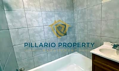 Bathroom, 3722 N Illinois St, 2