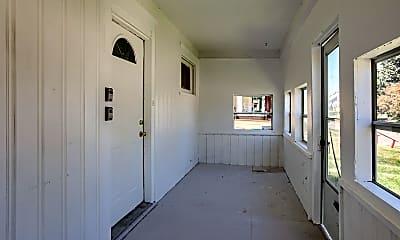 Building, 2565 Evans St, 1