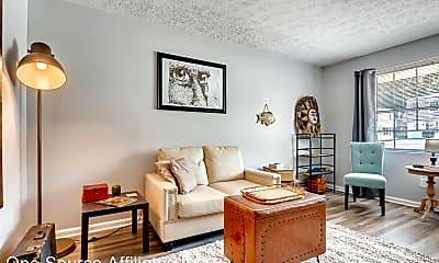 Living Room, 625 Coleman St, 1